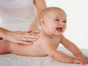 Tips Memijat Bayi Yang Benar