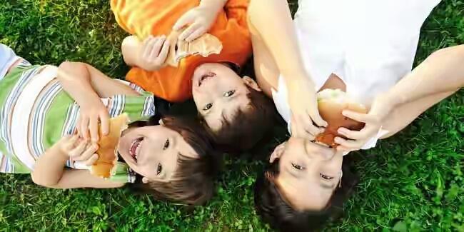 Tips Untuk Mengatasi Pertengkaran Kakak dan Adik