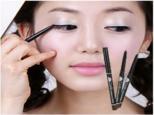 Jenis Eyeliner Yang Bagus