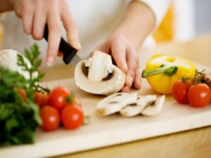 Tips Meminimalisir Bakteri Pada Makanan