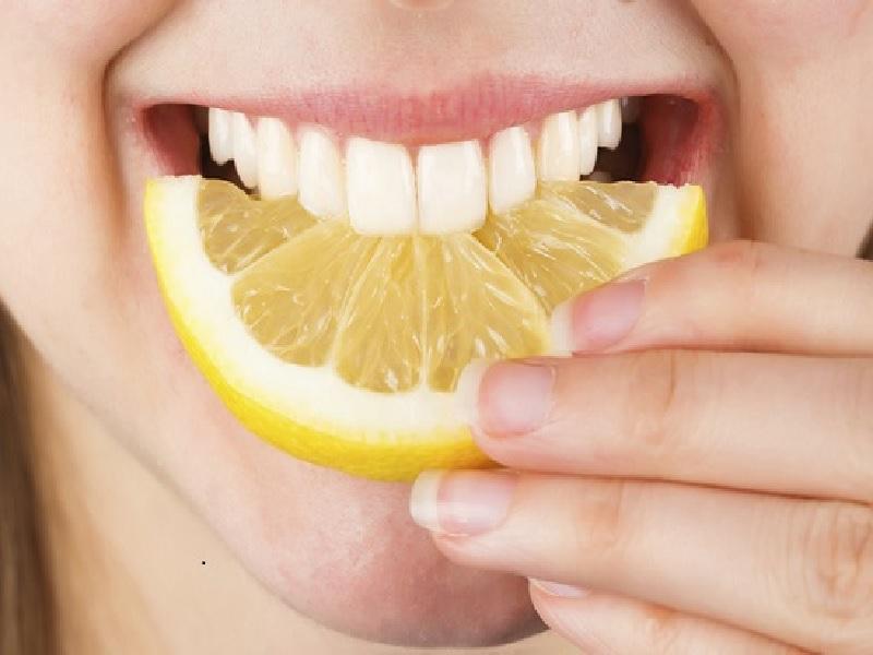 Manfaat Lemon Untuk Memutihkan Gigi