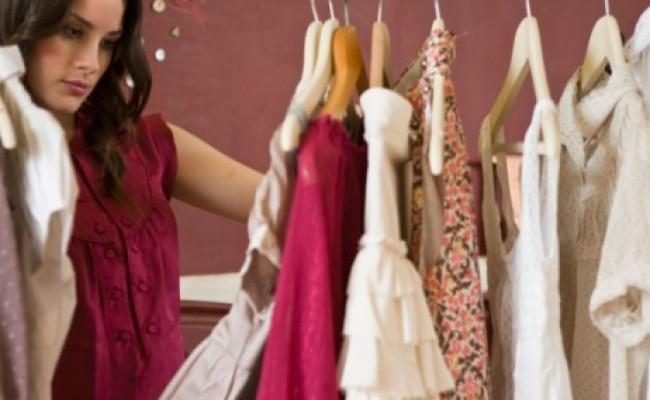 Gaya Pakaian Untuk Membuat Wanita Terlihat Muda1