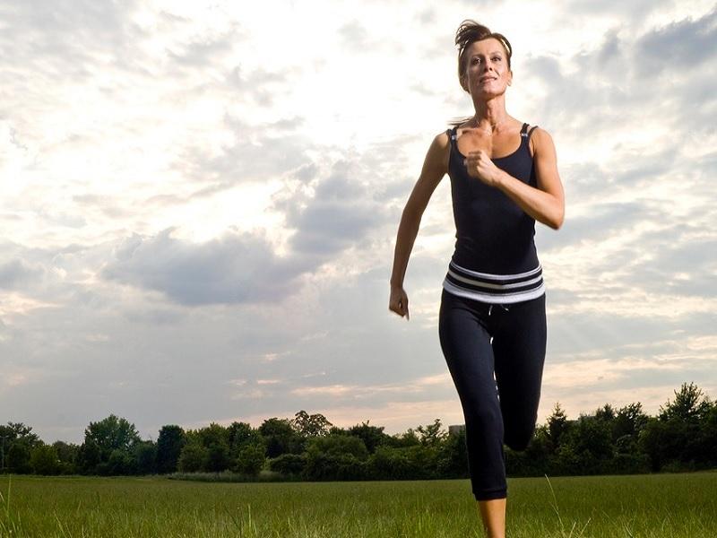Ingin Kencangkan Bokong Dengan Tiru Olahraga ala Jessica Biel