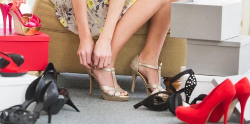 Tips Menggunakan Sepatu High Heels